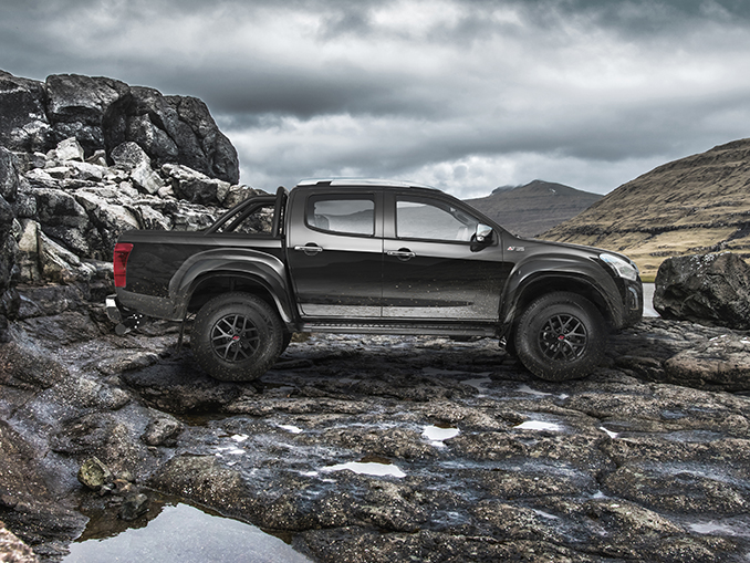 Side view of the Isuzu D-Max Arctic AT35 in cosmic black off road