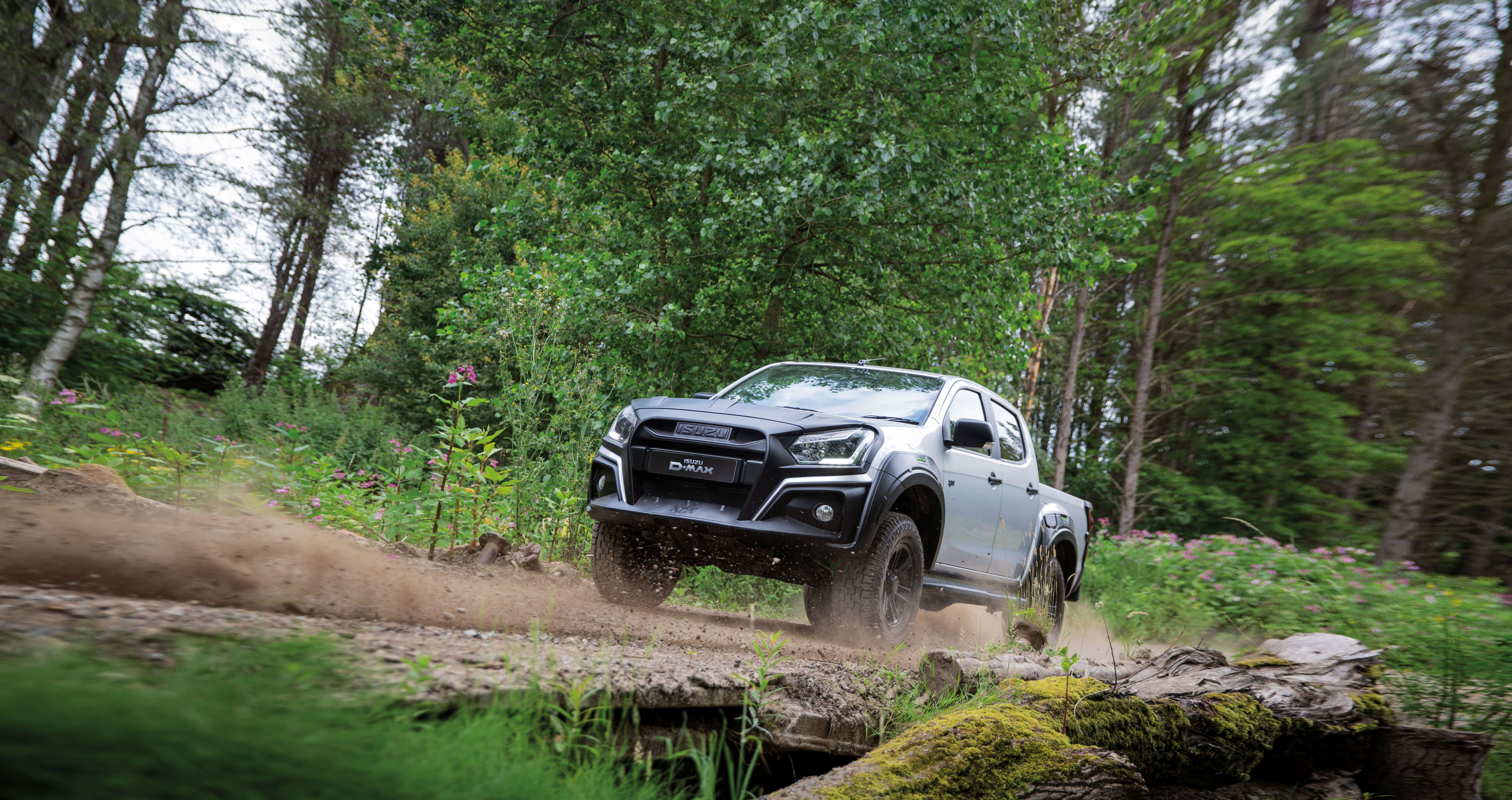 Isuzu D-Max XTR off road driving