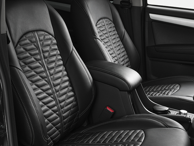 The comfortable seats of the Isuzu D-Max Arctic AT35