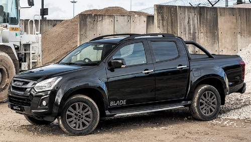 Side view of the Isuzu D-Max Blade