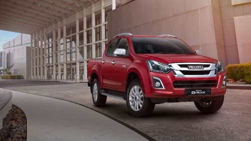 Isuzu D-Max Blade in red